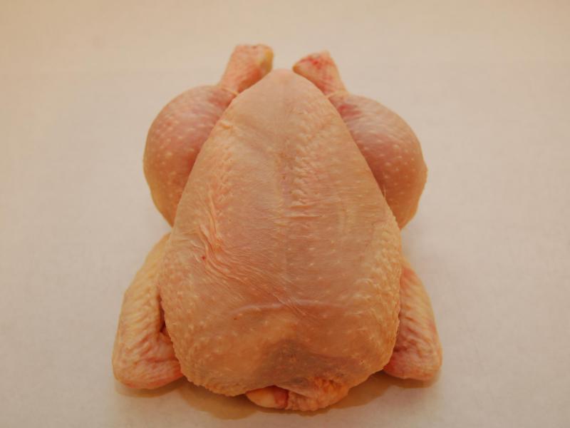 Poulet - Notre poulet est disponible en plusieurs tailles, différentes découpes et préparations. Produits dans nos propres ateliers ou venant de nos fournisseurs de confiance.