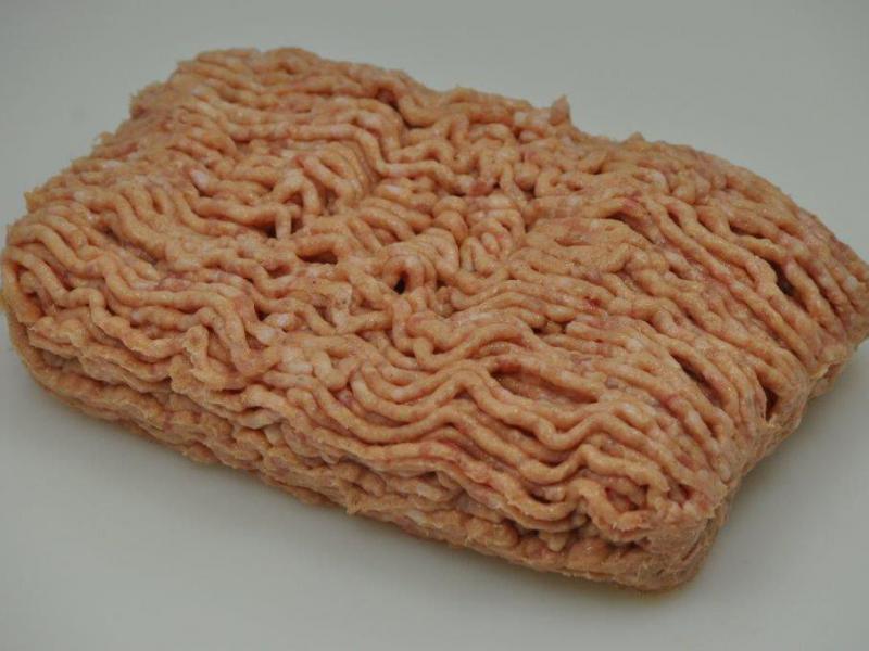 Gehaktproducten - Onze standaard Belgische braadkip is verkrijgbaar in verschillende gewichtsklassen en verscheidene versnijdingen en bereidingen. Geproduceerd in eigen atelier of bij onze vertrouwde toeleveranciers.