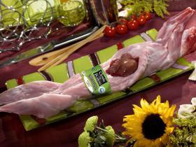 """France """"Clovis du Poitou"""" - Des lapins venant de la région « Poitou-Charentes », traçable jusque chez l'éleveur, 100% alimentation naturelle."""