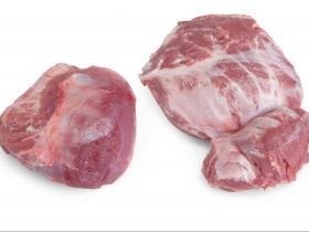 Joue (Carrilada) - Depuis de nombreuses années un produit phare chez nous, vous pouvez reconnaitre le porc 100% Duroc Batallé par ces longs cheveux et sabots noirs.